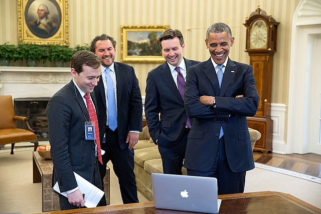 David Litt meeting with Obama in the Oval Office